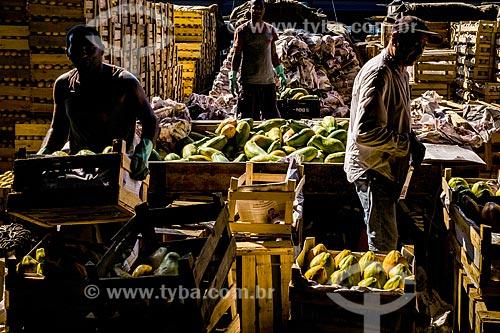 Trabalhadores na Central de Abastecimento do Estado do Rio de Janeiro (CEASA RJ)  - Rio de Janeiro - Rio de Janeiro (RJ) - Brasil