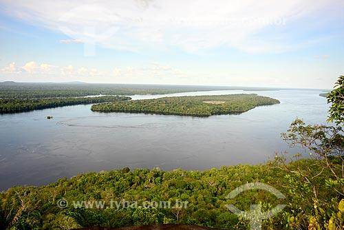 Vista a partir da trilha da Serras Guerreiras do Tapuruquara com o Rio Negro  - Santa Isabel do Rio Negro - Amazonas (AM) - Brasil