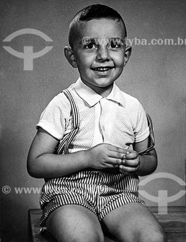 Fotógrafo Rogério Reis quando criança fotografado em estúdio no Rio de Janeiro  - Rio de Janeiro - Rio de Janeiro (RJ) - Brasil