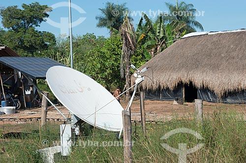 Antena parabólica e painel solar fotovoltaico na aldeia Aiha da tribo Kalapalo - ACRÉSCIMO DE 100% SOBRE O VALOR DE TABELA  - Querência - Mato Grosso (MT) - Brasil