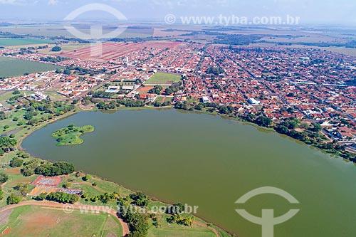 Foto feita com drone do Parque Maracá com a cidade de Guaíra  - Guaíra - São Paulo (SP) - Brasil