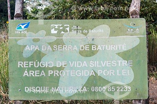 Detalhe de placa na Área de Proteção Ambiental da Serra de Baturité  - Guaramiranga - Ceará (CE) - Brasil