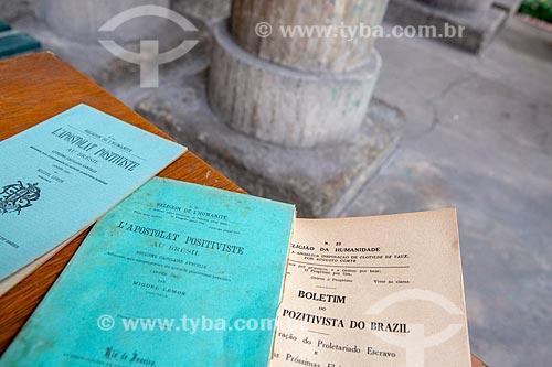 Detalhe de publicações do movimento positivista brasileiro na Igreja Positivista do Brasil (1897) - também conhecido como Templo da Humanidade  - Rio de Janeiro - Rio de Janeiro (RJ) - Brasil
