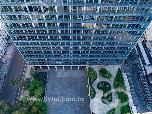 Foto feita com drone do jardim suspenso do Edifício Gustavo Capanema (1945) - antigo Ministério da Educação, atual sede do Ministério da Cultura no Rio de Janeiro  - Rio de Janeiro - Rio de Janeiro (RJ) - Brasil