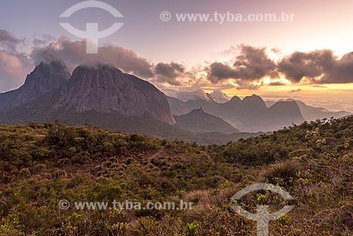 Vista geral do Parque Estadual dos Três Picos durante o pôr do sol  - Teresópolis - Rio de Janeiro (RJ) - Brasil
