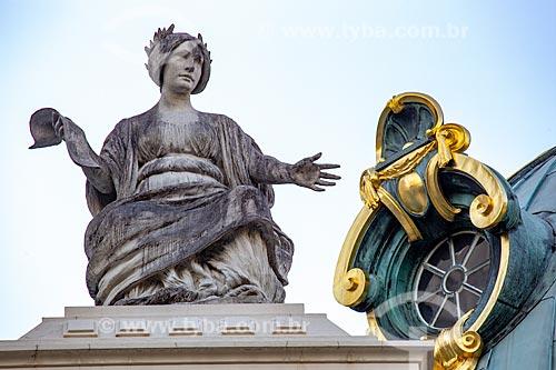 Detalhe de estátua - representando a poesia - no Theatro Municipal do Rio de Janeiro (1909)  - Rio de Janeiro - Rio de Janeiro (RJ) - Brasil