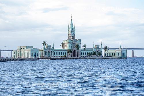Vista do castelo da Ilha Fiscal (1889) a partir da Baía de Guanabara  - Rio de Janeiro - Rio de Janeiro (RJ) - Brasil