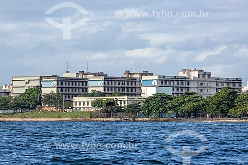 Vista dos prédios do Campus do Gragoatá da Universidade Federal Fluminense a partir da Baía de Guanabara  - Niterói - Rio de Janeiro (RJ) - Brasil