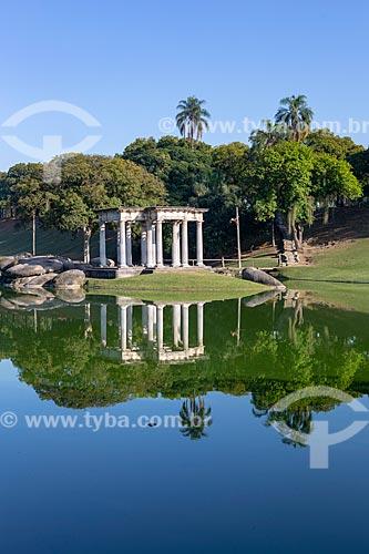 Vista do Templo de Apolo (1910) no lago do Parque da Quinta da Boa Vista  - Rio de Janeiro - Rio de Janeiro (RJ) - Brasil