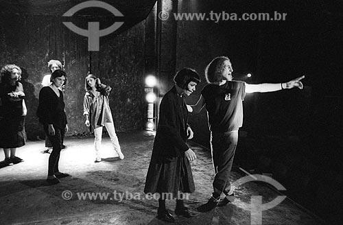 Gerald Thomas ensaiando peça teatral - década de 90  - Rio de Janeiro - Rio de Janeiro (RJ) - Brasil