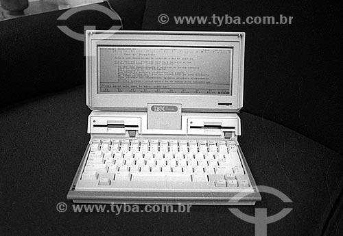 Detalhe do IBM PC Convertible (modelo 5140) - década de 90  - Rio de Janeiro - Rio de Janeiro (RJ) - Brasil