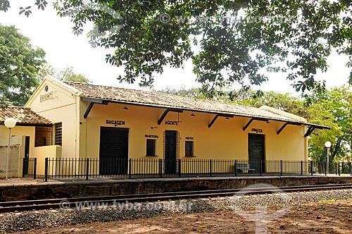 Fachada de antiga Estação de Ferroviária de Engenheiro Schmitt  - São José do Rio Preto - São Paulo (SP) - Brasil