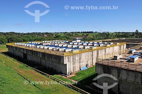 Detalhe de etapa 4 do tratamento de esgoto - reatores anaeróbios - na Estação de Tratamento de Esgoto de São José do Rio Preto  - São José do Rio Preto - São Paulo (SP) - Brasil