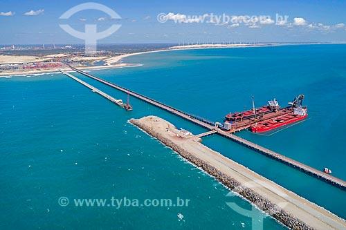 Foto feita com drone do Terminal Portuário do Pecém - parte do Complexo Industrial e Portuário do Pecém  - São Gonçalo do Amarante - Ceará (CE) - Brasil