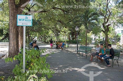 Placa indicando WiFi zone na Praça dos Mártires (1864) - também conhecida como Passeio Público  - Fortaleza - Ceará (CE) - Brasil