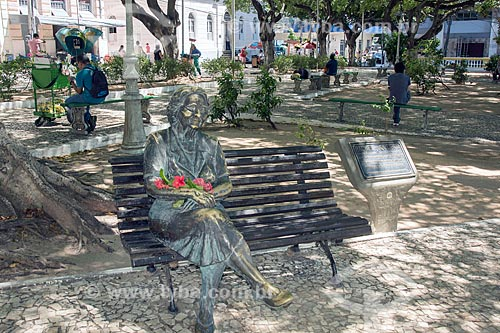 Estátua de Rachel de Queiroz na Praça General Tibúrcio - também conhecida como Praça dos Leões  - Fortaleza - Ceará (CE) - Brasil