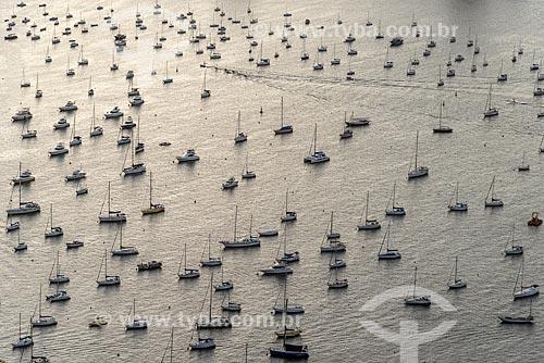 Vista de veleiros ancorados na Enseada de Botafogo a partir do mirante do Morro da Urca no Pão de Açúcar  - Rio de Janeiro - Rio de Janeiro (RJ) - Brasil
