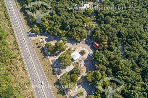 Foto feita com drone do Parque Estadual Botânico do Ceará com a Rodovia CE-090  - Caucaia - Ceará (CE) - Brasil
