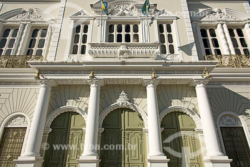Detalhe da fachada do Teatro José de Alencar (1910)  - Fortaleza - Ceará (CE) - Brasil