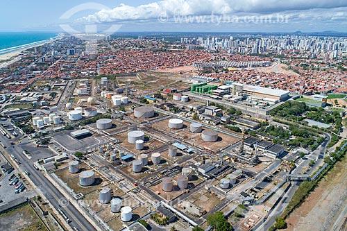 Foto feita com drone da Lubnor (Refinaria Lubrificantes e Derivados do Nordeste)  - Fortaleza - Ceará (CE) - Brasil