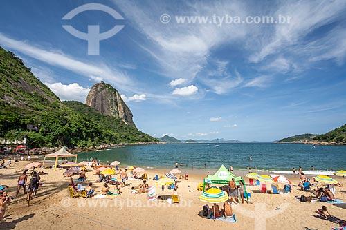 Banhistas na Praia Vermelha com o Pão de Açúcar ao fundo  - Rio de Janeiro - Rio de Janeiro (RJ) - Brasil