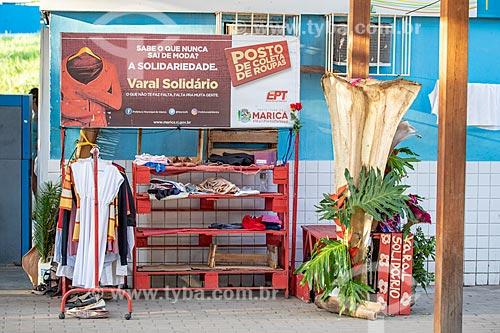 Ponto de coleta do Projeto Varal Solidário da Empresa Pública de Transporte - Prefeitura de Maricá - na Rodoviária do Povo de Maricá  - Maricá - Rio de Janeiro (RJ) - Brasil