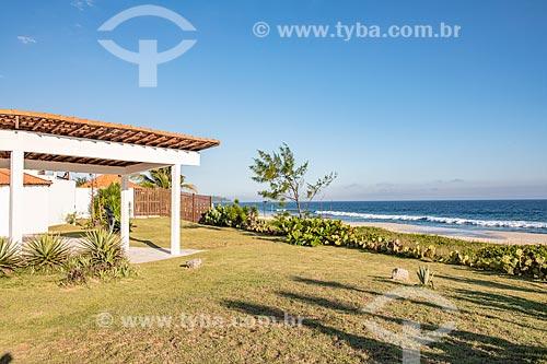 Casa Darcy Ribeiro - projetada por Oscar Niemeyer com a Praia de Cordeirinho ao fundo  - Maricá - Rio de Janeiro (RJ) - Brasil