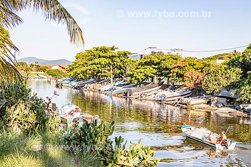 Lanchas ancoradas no Canal de Ponta Negra  - Maricá - Rio de Janeiro (RJ) - Brasil