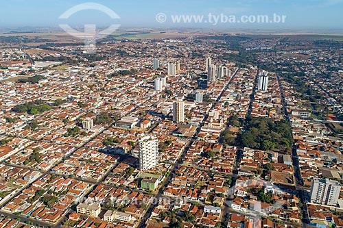 Foto feita com drone da cidade de Jaboticabal com a Catedral de Nossa Senhora do Carmo em frente à Praça Joaquim Batista  - Jaboticabal - São Paulo (SP) - Brasil