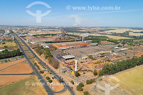 Foto feita com drone de indústria de implementos agrícolas  - Matão - São Paulo (SP) - Brasil