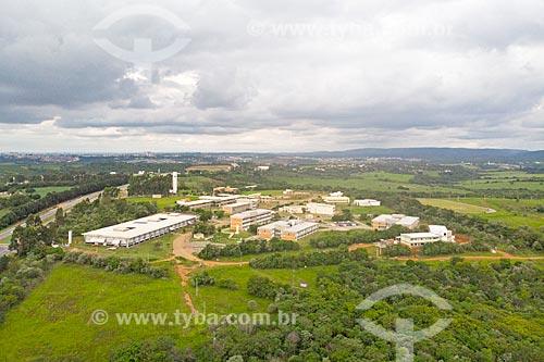 Foto feita com drone de campus da Universidade Federal de São Carlos às margens da Rodovia João Leme dos Santos (SP-264)  - Sorocaba - São Paulo (SP) - Brasil
