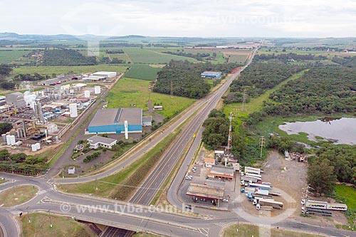 Foto feita com drone do polo industrial da cidade de Rio Claro com a Rodovia Irineu Penteado (SP-191)  - Rio Claro - São Paulo (SP) - Brasil