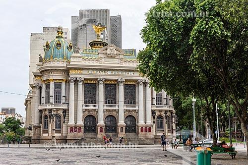 Fachada do Theatro Municipal do Rio de Janeiro (1909) a partir da Cinelândia  - Rio de Janeiro - Rio de Janeiro (RJ) - Brasil