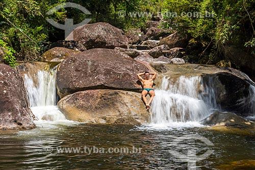 Banhista no Poço Pirapetinga no Área de Proteção Ambiental da Serrinha do Alambari  - Resende - Rio de Janeiro (RJ) - Brasil