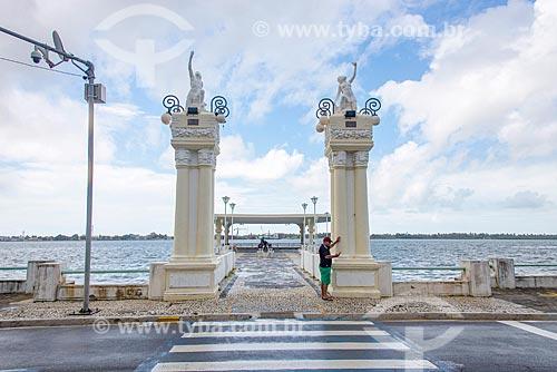 Ponte do Imperador às margens do Rio Sergipe  - Aracaju - Sergipe (SE) - Brasil