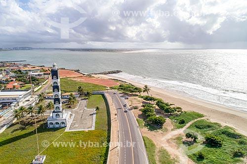 Foto feita com drone do Farol da Coroa do meio com a foz do Rio Sergipe  - Aracaju - Sergipe (SE) - Brasil