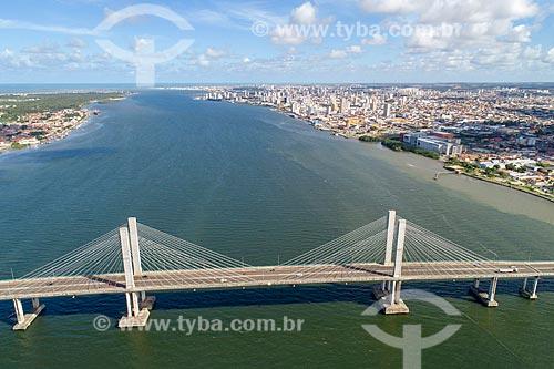 Foto feita com drone da Ponte Construtor João Alves (2006) - também conhecida como Ponte Aracaju-Barra dos Coqueiros - sobre o Rio Sergipe  - Aracaju - Sergipe (SE) - Brasil