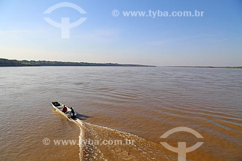 Lancha navegando no Rio Madeira  - Porto Velho - Rondônia (RO) - Brasil