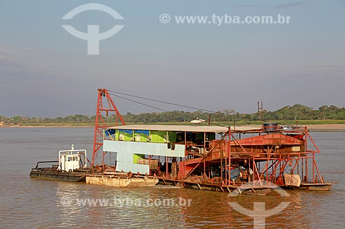 Balsa de mineração no Rio Madeira  - Porto Velho - Rondônia (RO) - Brasil