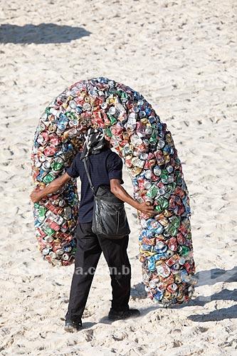 Escultura do catador Sergio Amaro Vidal - feita com material reciclado  - Rio de Janeiro - Rio de Janeiro (RJ) - Brasil