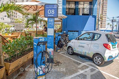 Ponto de abastecimento para veículos elétricos da Vamo Fortaleza - rede de compartilhamento de carros elétricos  - Fortaleza - Ceará (CE) - Brasil