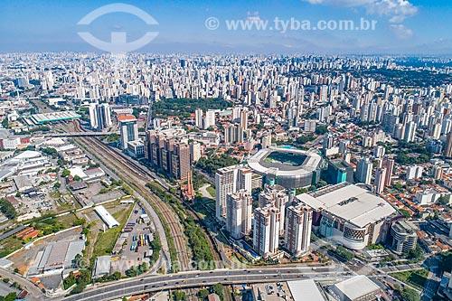 Foto feita com drone do Viaduto Pompéia sobre os trilhos da CPTM com a Allianz Parque - à direita - e o Parque Fernando Costa - também conhecido como Parque da Água Branca - ao fundo  - São Paulo - São Paulo (SP) - Brasil