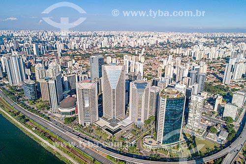 Foto feita com drone de prédio comerciais na região da Berrini  - São Paulo - São Paulo (SP) - Brasil