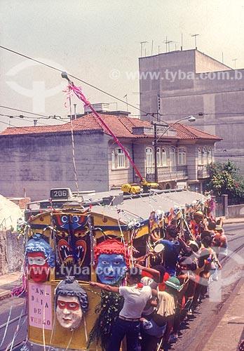 Foliões no bonde de Santa Teresa durante o carnaval - década de 80  - Rio de Janeiro - Rio de Janeiro (RJ) - Brasil