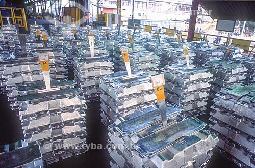 Alumínio processado pela Alcoa - década de 2000  - Poços de Caldas - Minas Gerais (MG) - Brasil
