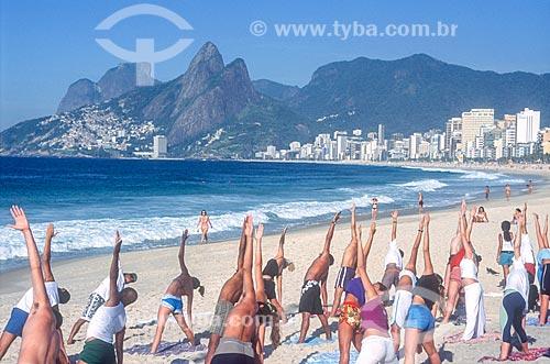Ginástica na orla da Praia de Ipanema - década de 2000  - Rio de Janeiro - Rio de Janeiro (RJ) - Brasil