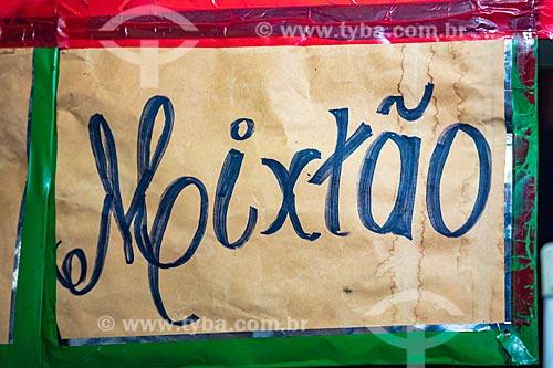 Detalhe de placa com o dizer: Mixtão em restaurante no Centro Luiz Gonzaga de Tradições Nordestinas  - Rio de Janeiro - Rio de Janeiro (RJ) - Brasil