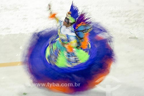 Desfile do Grêmio Recreativo Escola de Samba Unidos de Vila Isabel - segunda Porta-Bandeira (Bárbara Dionísio) - Enredo 2019 - Em nome do Pai, do Filho e dos Santos, a Vila canta a cidade de Pedro  - Rio de Janeiro - Rio de Janeiro (RJ) - Brasil