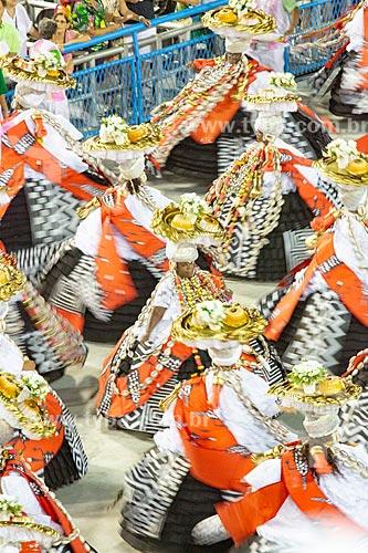 Desfile do Grêmio Recreativo Escola de Samba Estação Primeira de Mangueira - Ala das Baianas - Enredo 2019 - História para ninar gente grande  - Rio de Janeiro - Rio de Janeiro (RJ) - Brasil