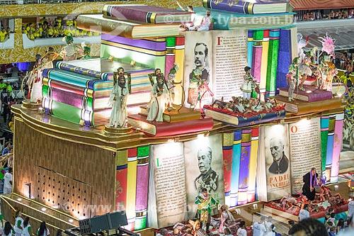 Desfile do Grêmio Recreativo Escola de Samba Estação Primeira de Mangueira - Carro alegórico A história que a história não conta - Enredo 2019 - História para ninar gente grande  - Rio de Janeiro - Rio de Janeiro (RJ) - Brasil